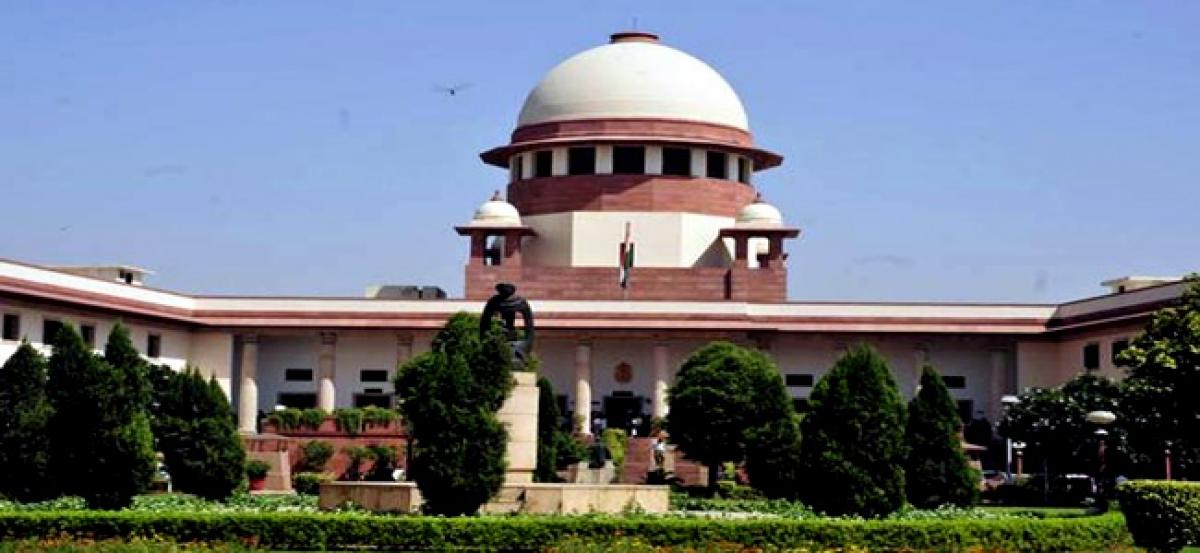 Supreme Court agrees not to pass interim order on Jallikattu for a week