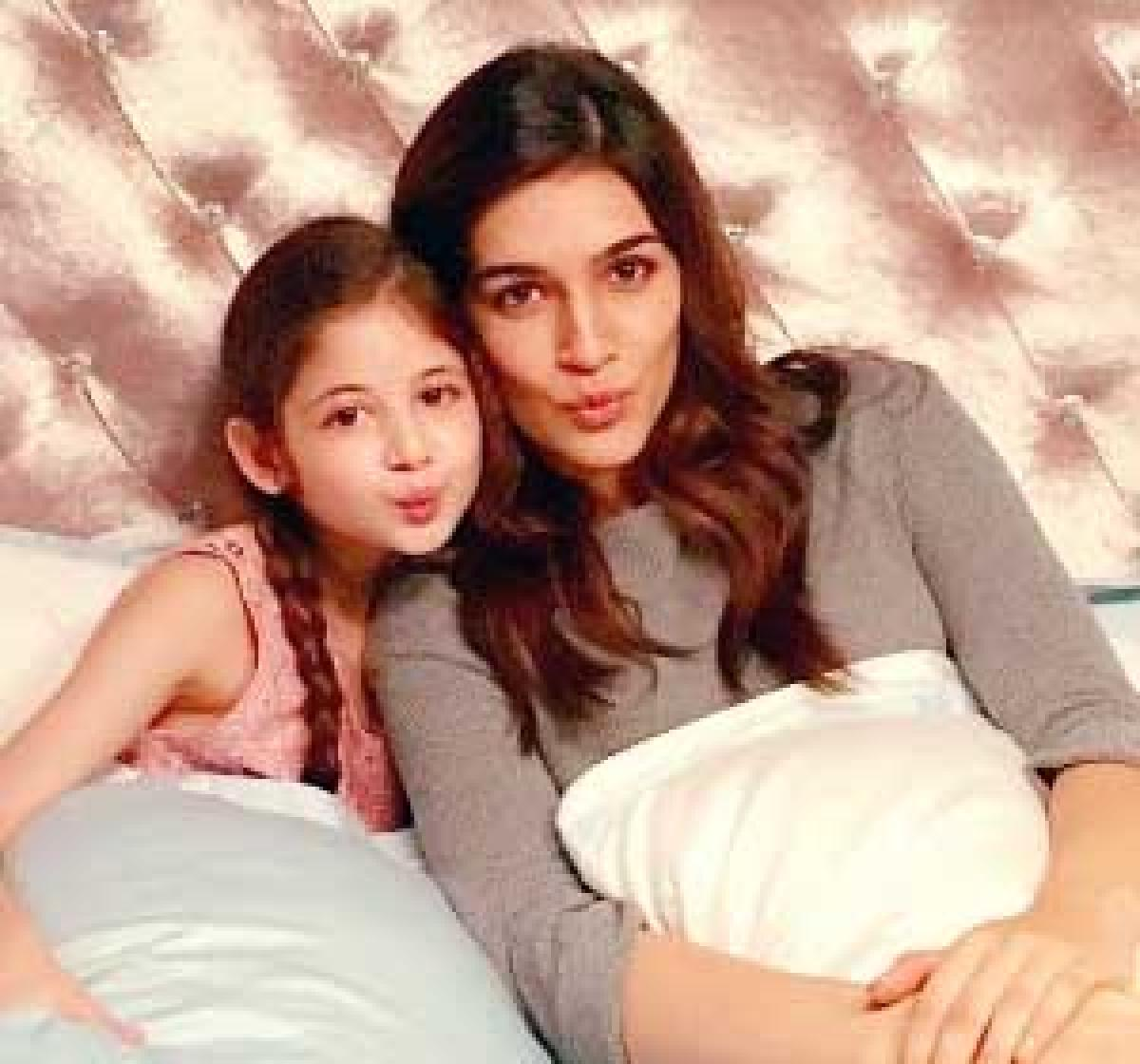 Cuteness Alert! Swing, pillow fight, pouts with Kriti Sanon-Harshali
