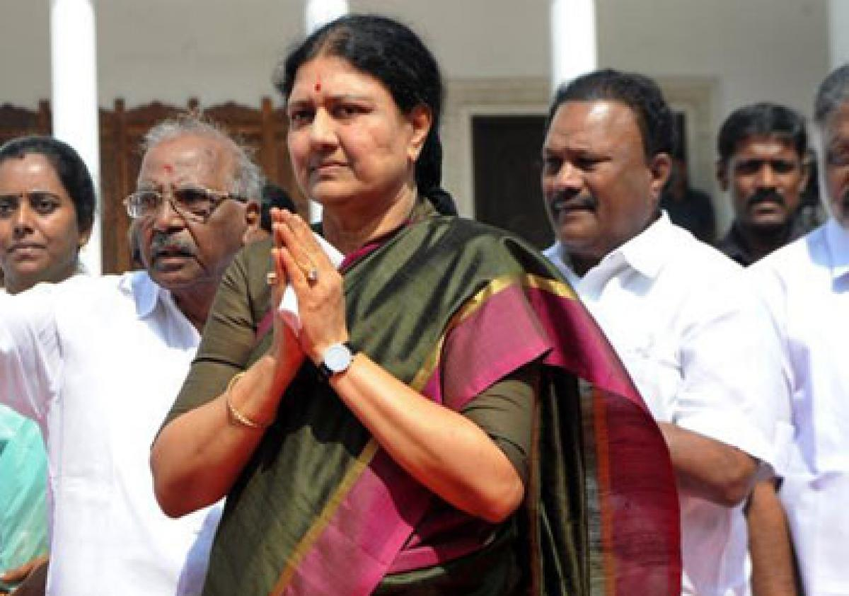 Sasikala seeks Modis support for exempting TN from NEET