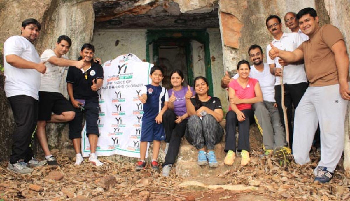 Youngsters trek to Swetambara Jain caves