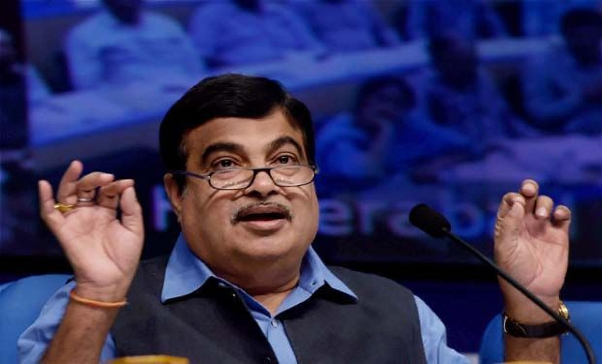 PM to gift two battery buses for MPs to check pollution: Nitin Gadkari