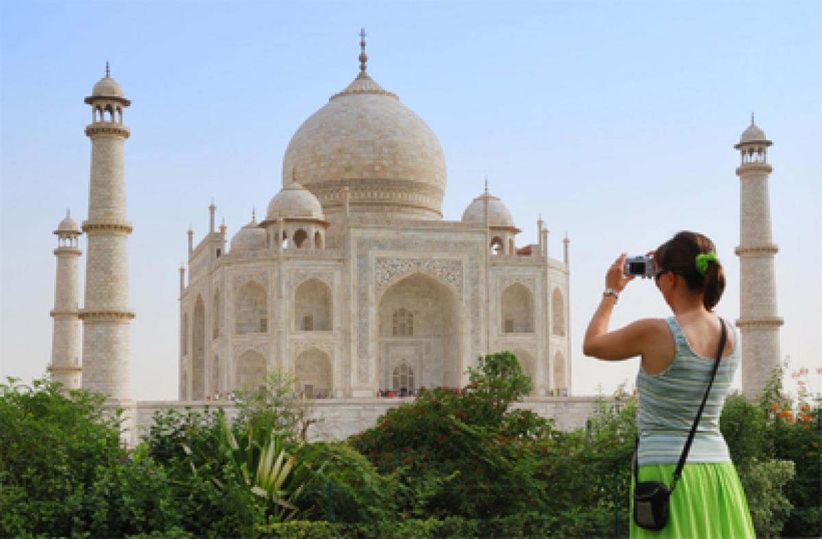 Number of foreign tourists to Taj Mahal on the decline