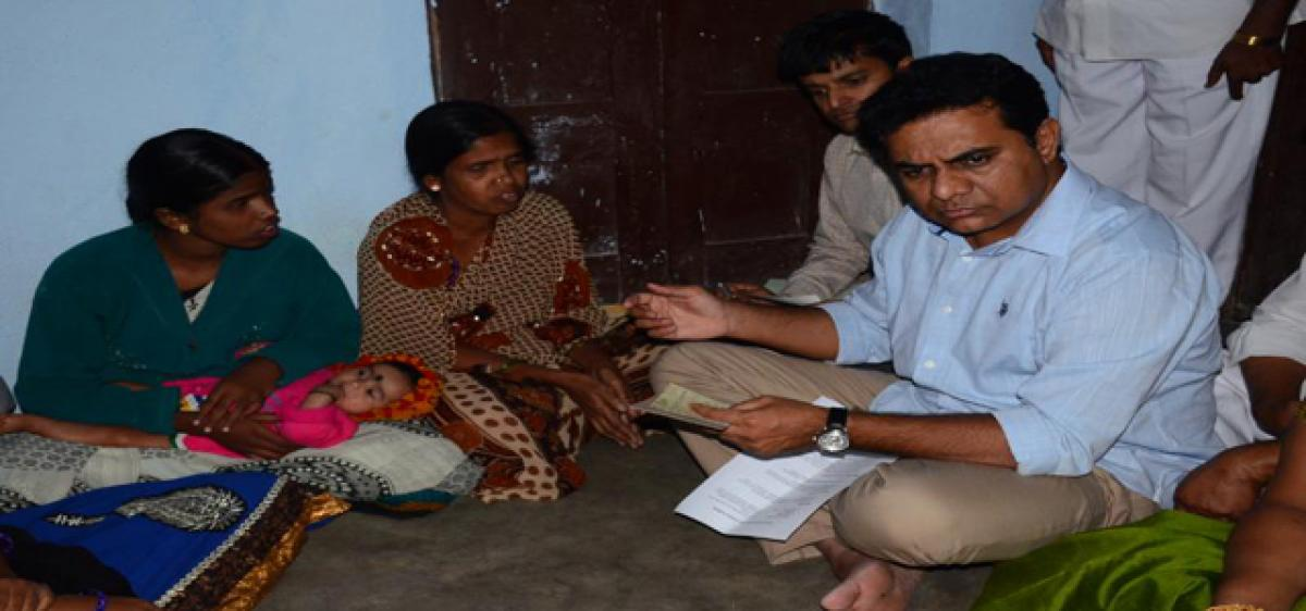 Minister provides assistance to weaver's family