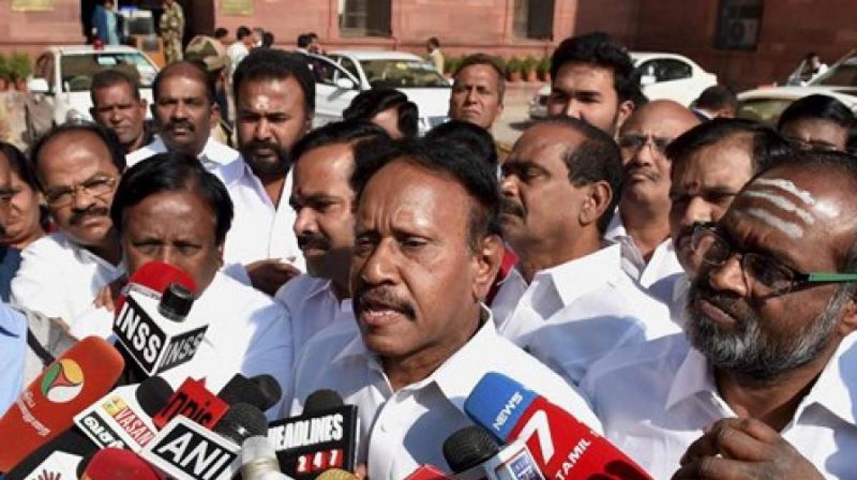 Ignoring Tamil aspirations dangerous: AIADMK to Centre on Jallikattu