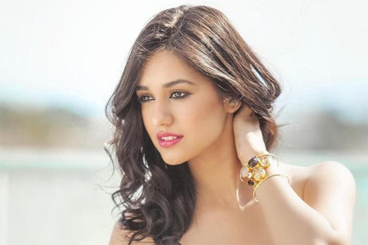 Loafer actress wants to dance with Allu Arjun