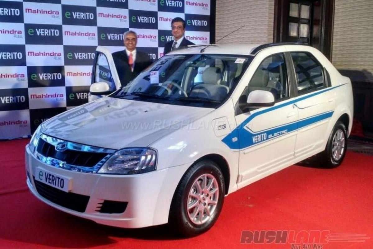 Whats the price of Mahindra eVerito electric sedan in India?