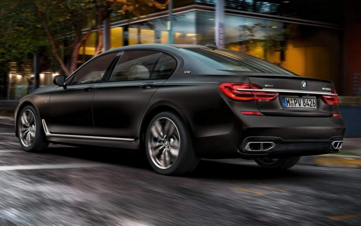 Check out BMW 7 Series M760Li xDrive features