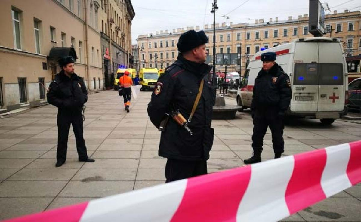 11 Killed, 45 Injured In Suspected Suicide Bombing On Russian Metro Train