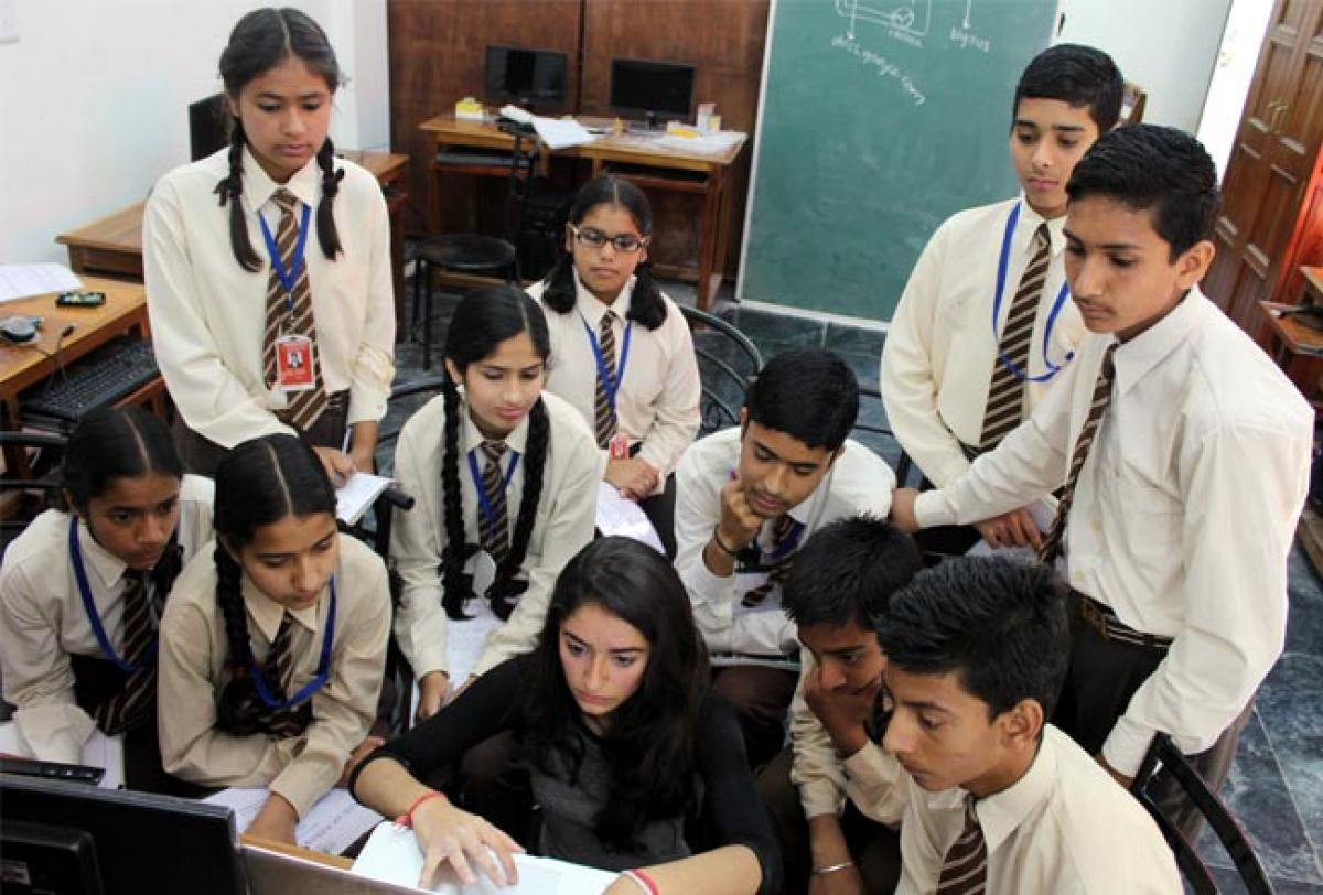 Aspiring techie in Kasauli get lessons in computer programming from Indian American girl