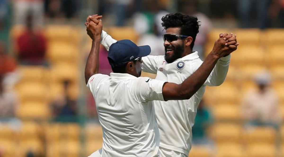 Ind Vs Aus: India take quick wickets, Australia score 163/5 at tea
