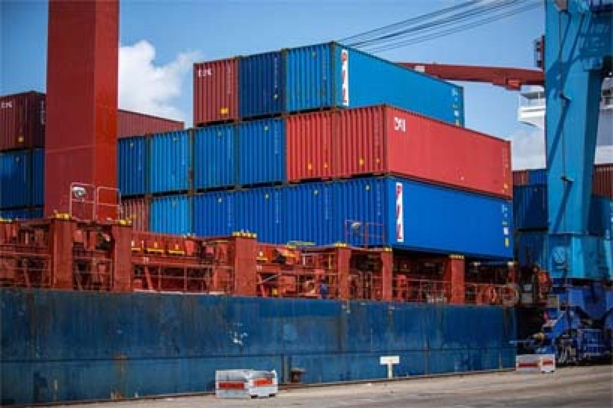 Indias trade deficit with China mounts to USD 44.87 in 2015