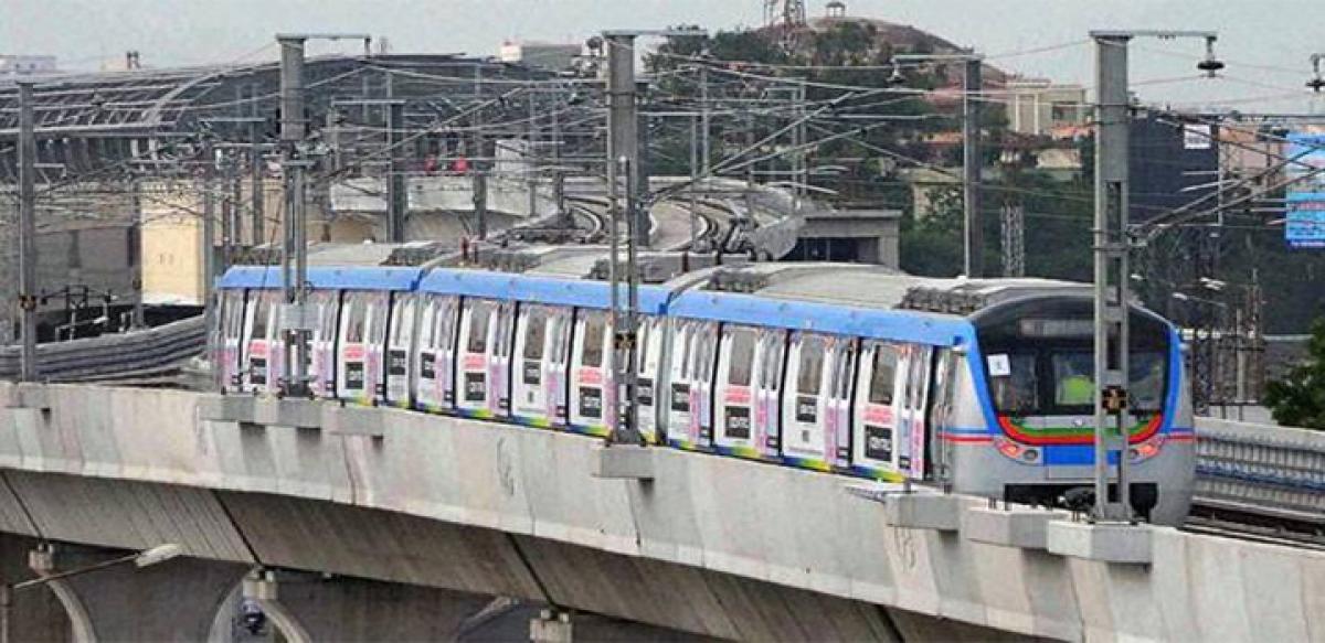 Road works pose challenge to Metro Rail