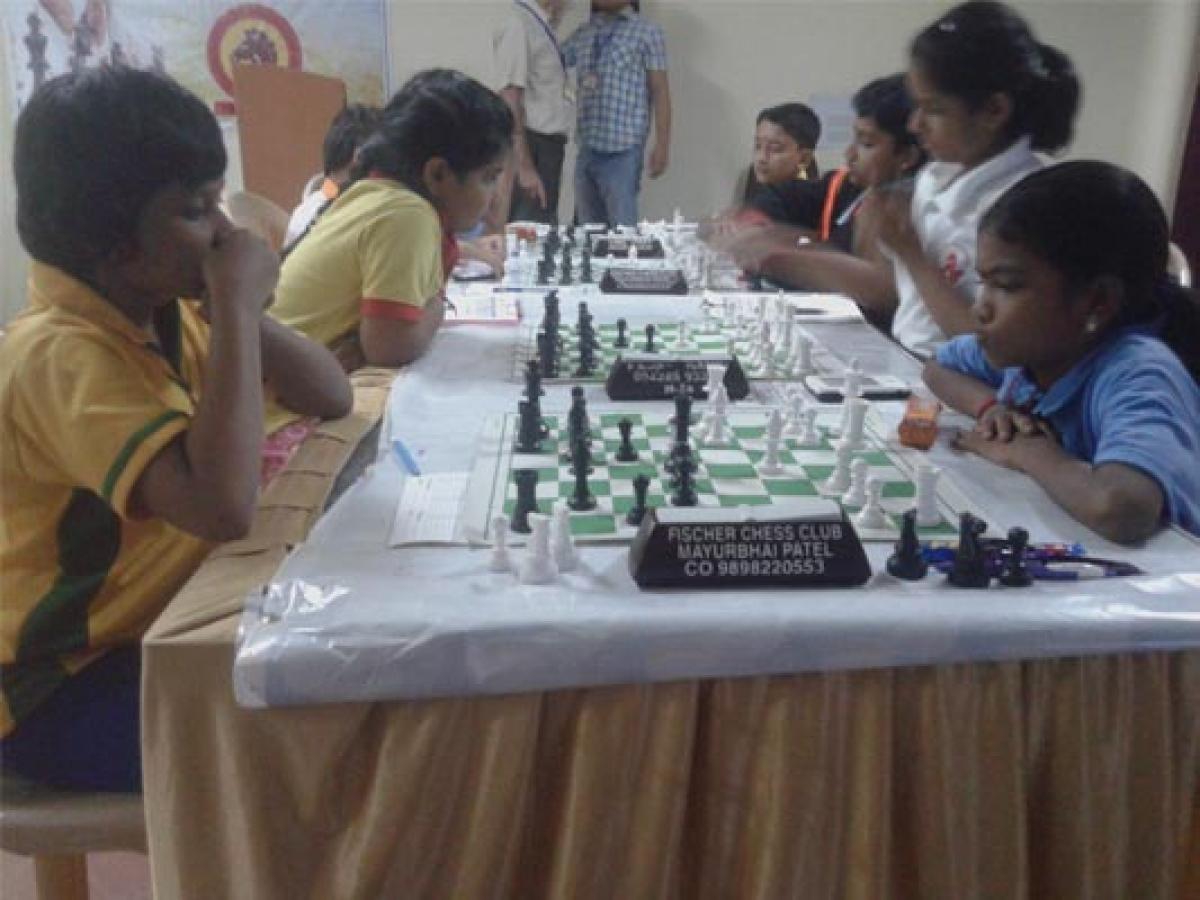Pradhivya joins  leaders Sahithi, Savitha