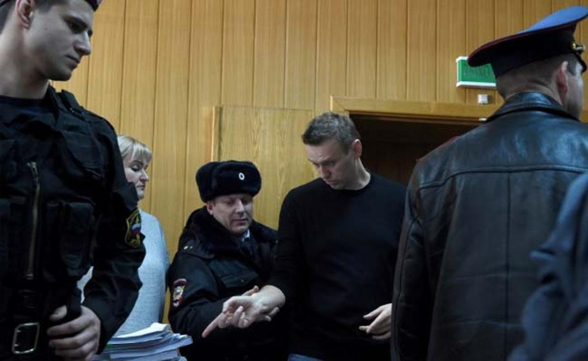 Kremlin Critic Alexei Navalny Gets 15 Days In Jail After Protest