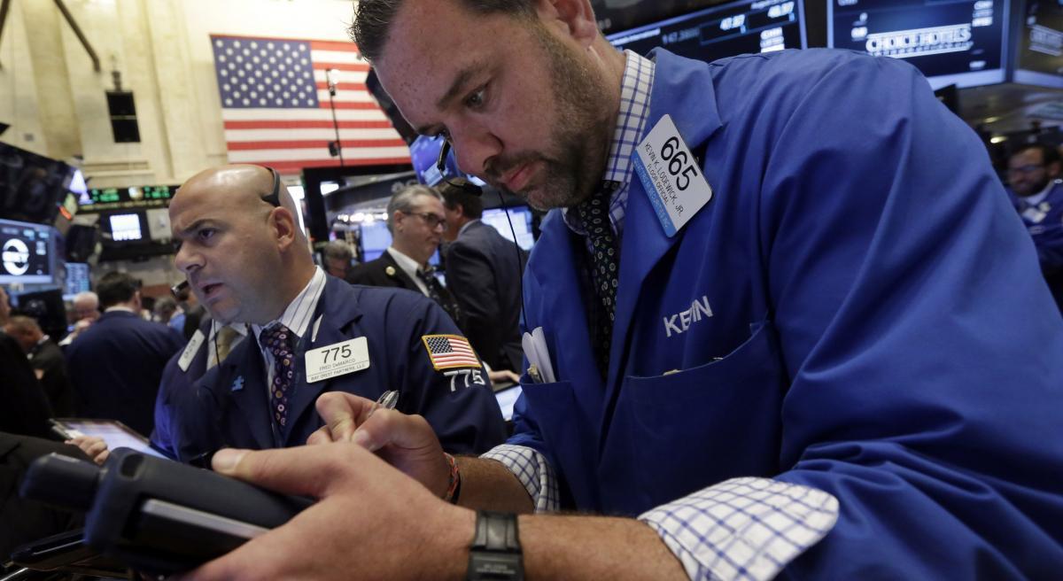 US stocks decline