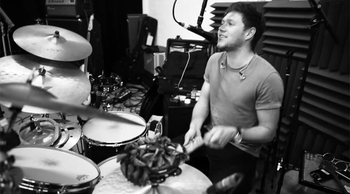 Niall Horan recording with Shania Twain