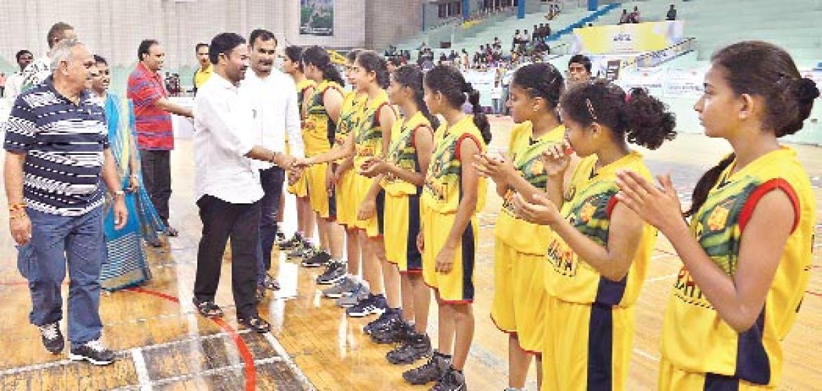 Andhra hoopsters down Kerala