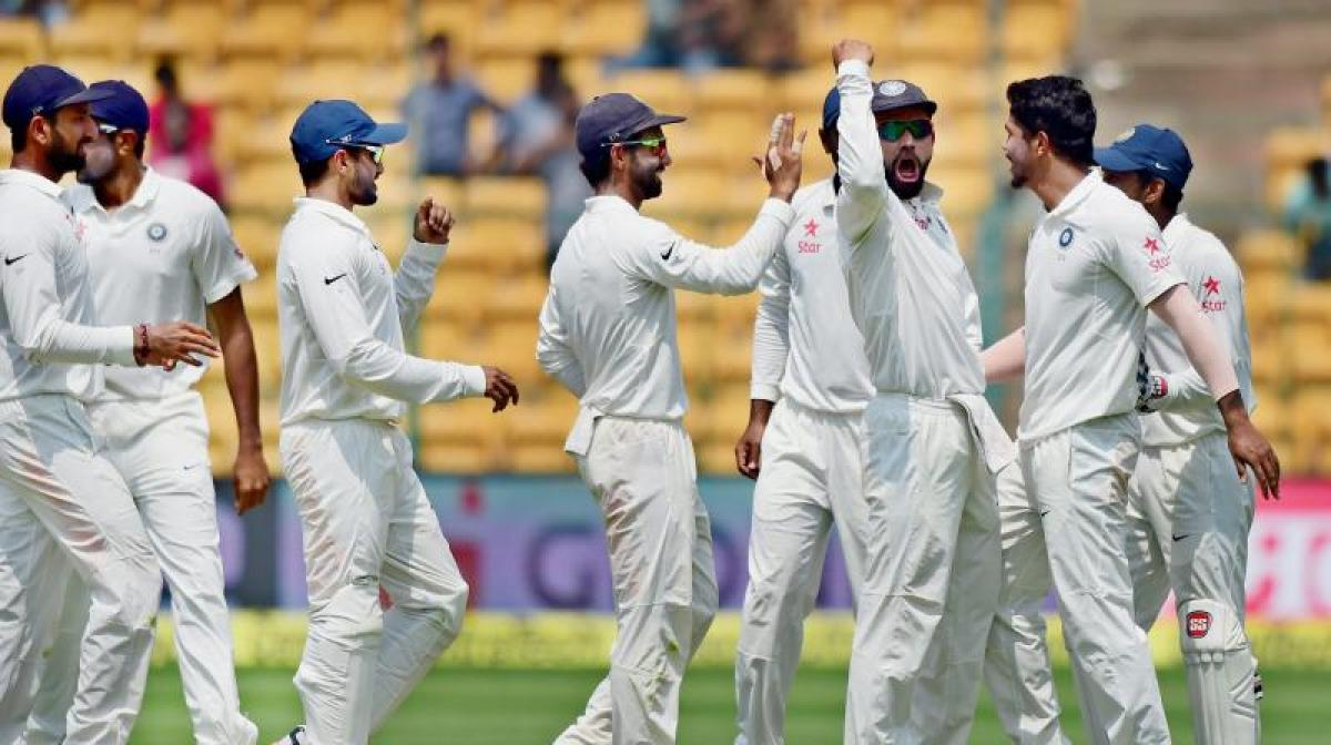 Ind Vs Aus: Indian bowlers bag crucial wickets, Aussies post 109/3 at lunch
