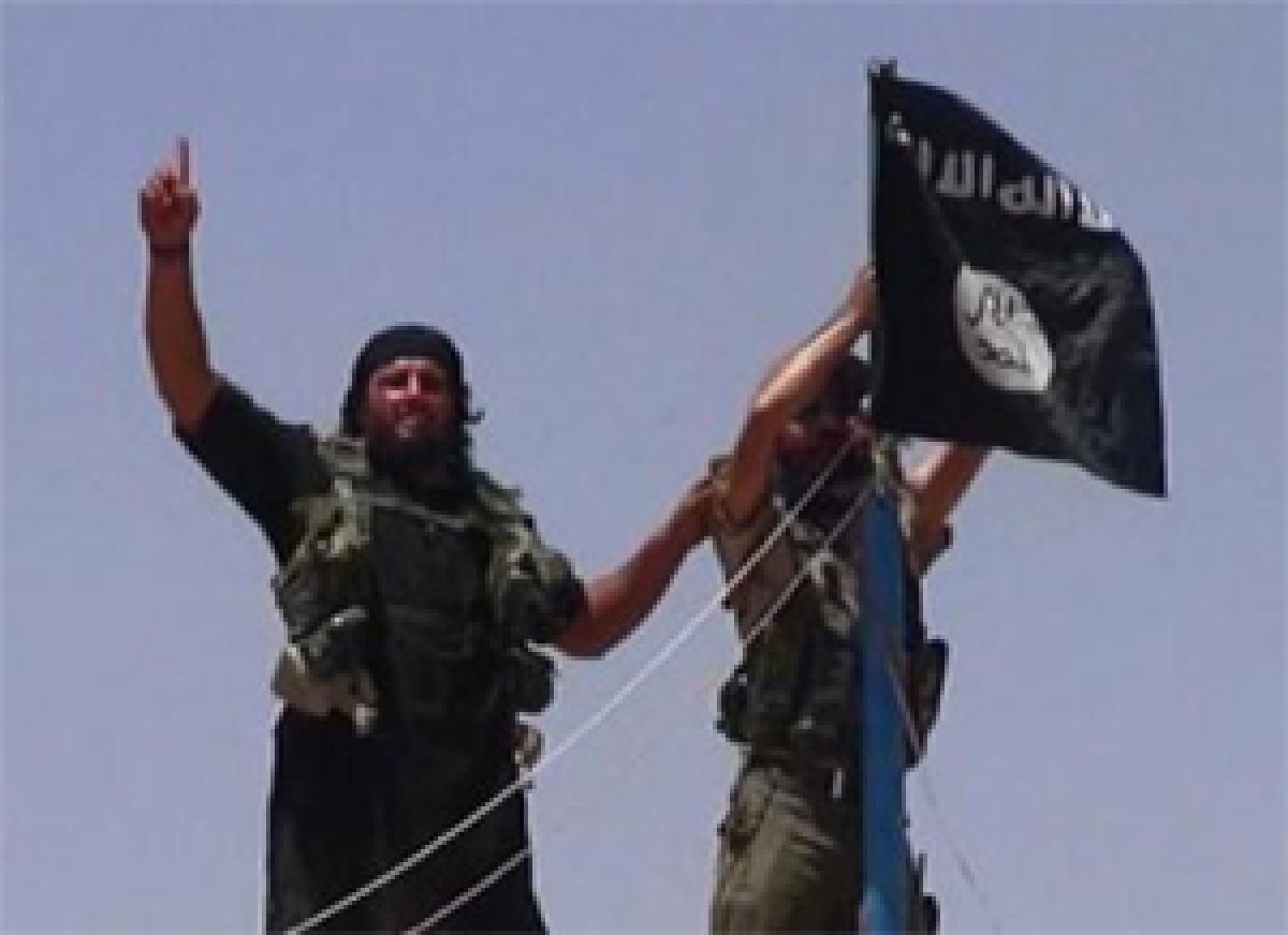 Turkish military strikes target Islamic State jihadists in Syria