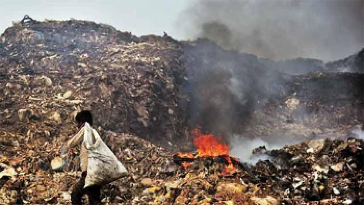 Toxic inferno chokes locals again at Deonar dumping ground