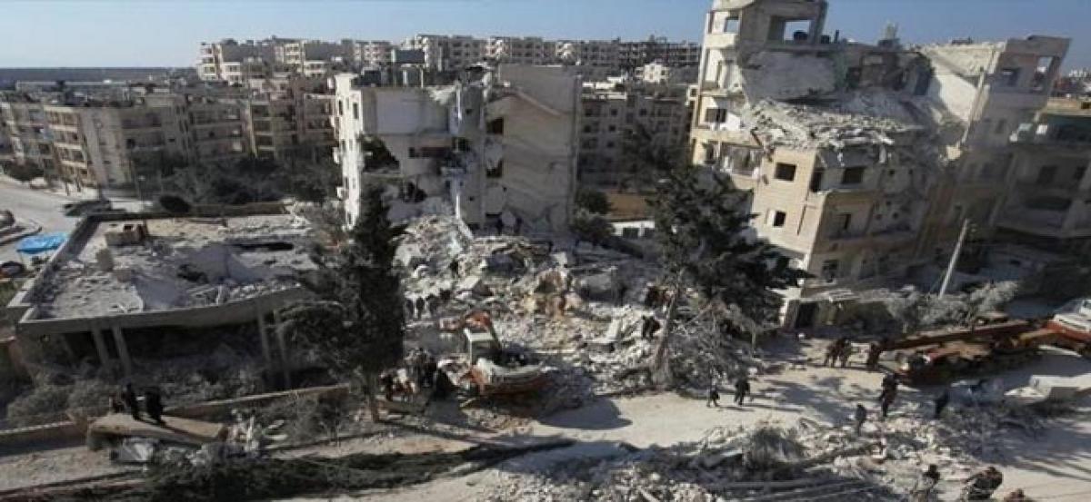 Air strikes hit Syria