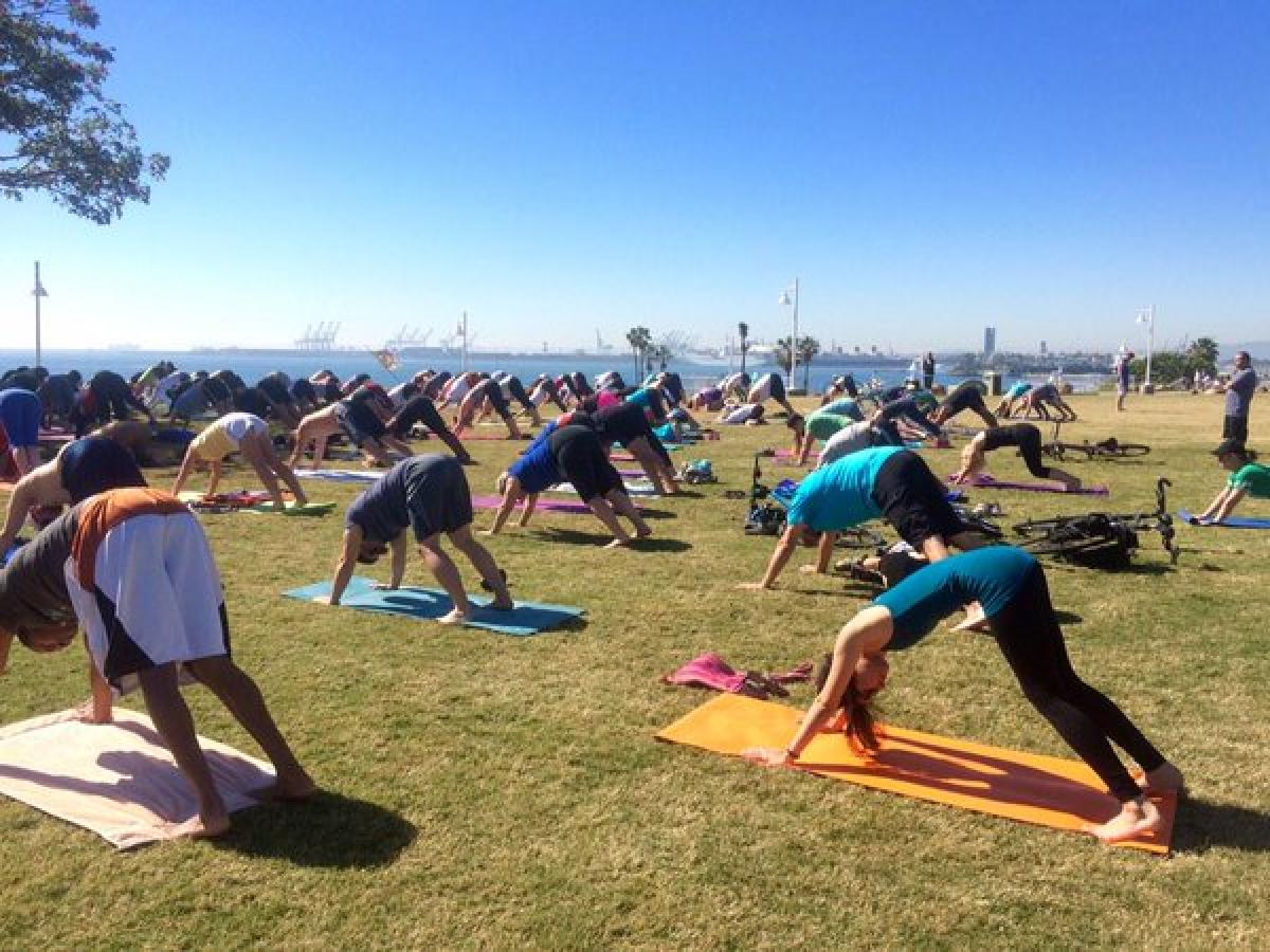 Lauding City of Compton offering free yoga, Hindus urge all California cities to follow