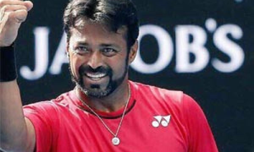 Ageless Paes' priceless act