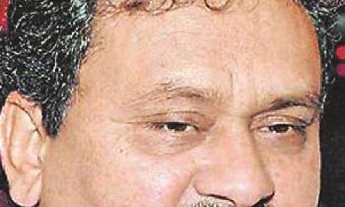 KCR hobnobbing with Naidu: Congress