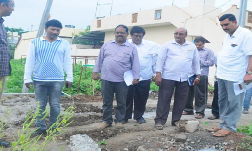 Speed up road restoration works in Guntur, officials told