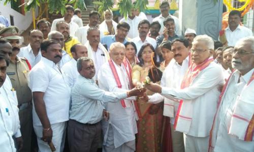 Plea to name Telugu University after poet Somanatha