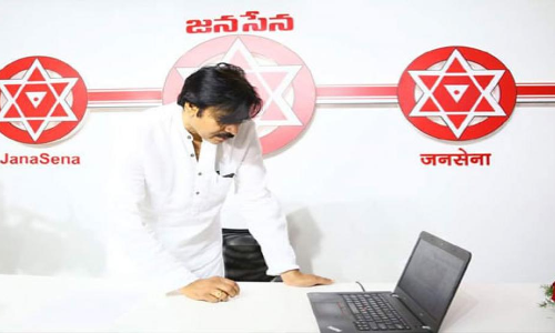 Pawan Kalyans Political Moves Surprises Telugu People