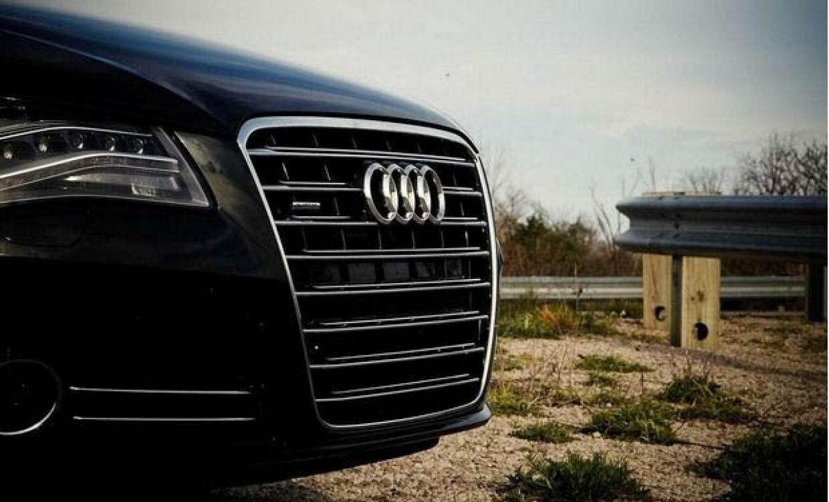 Audi, BMW, Daimler want real-time car data for maps app