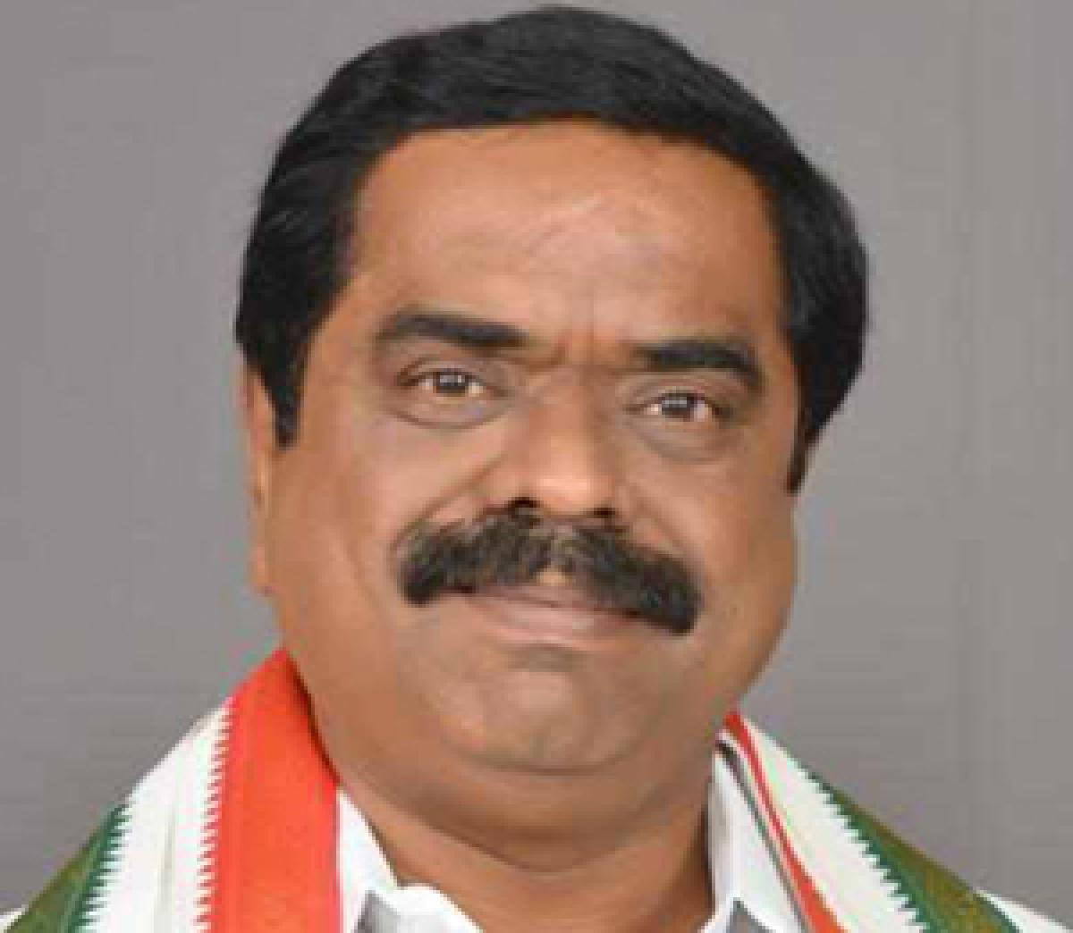 Chittam Ram Mohan Reddy switches to TRS