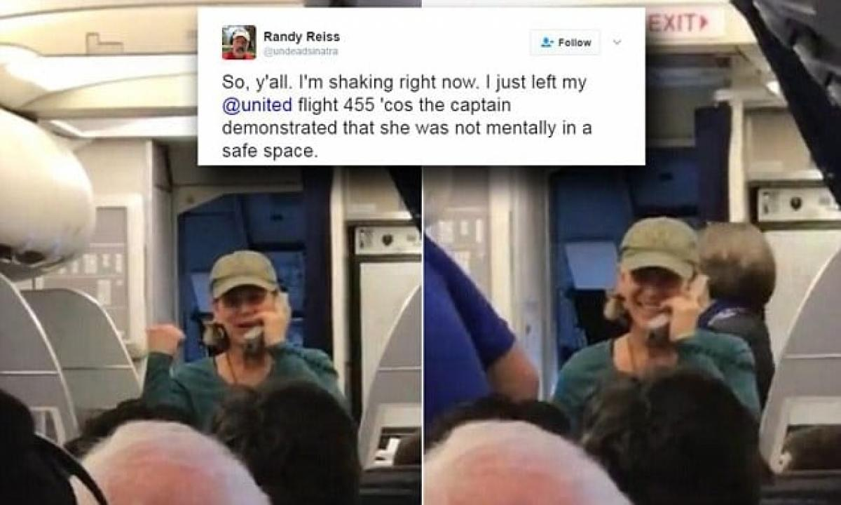 United Airlines pilot removed after ranting about Trump