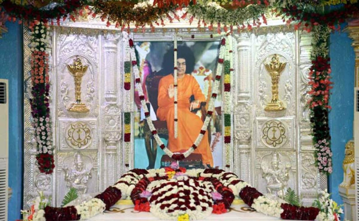Photos: Vishu Celebrations at Prashanthi Nilayam Day 3