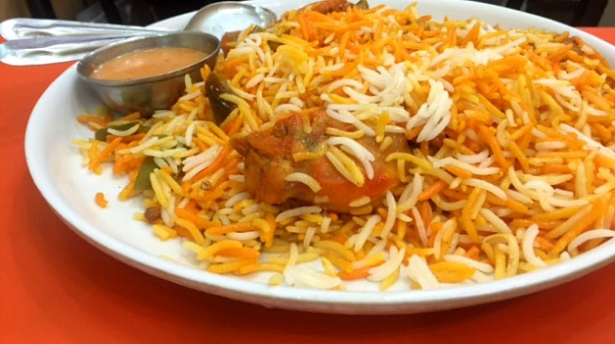 Delhi old city lanes come alive with aromas of biriyani, mutton barra for iftar