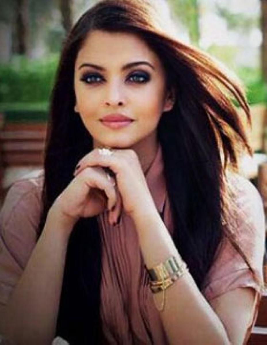 `Shy` Aish to dodge kissing scene with Ranbir in `ADHM`