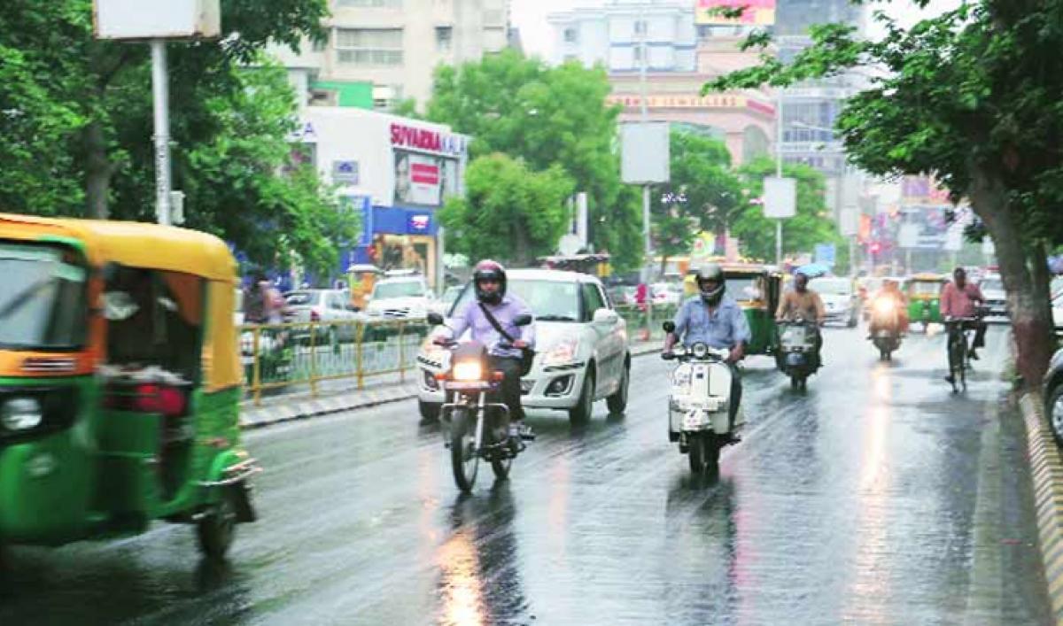 IMD predicts heavy rains in Konkan, Gujarat for next 24 hours