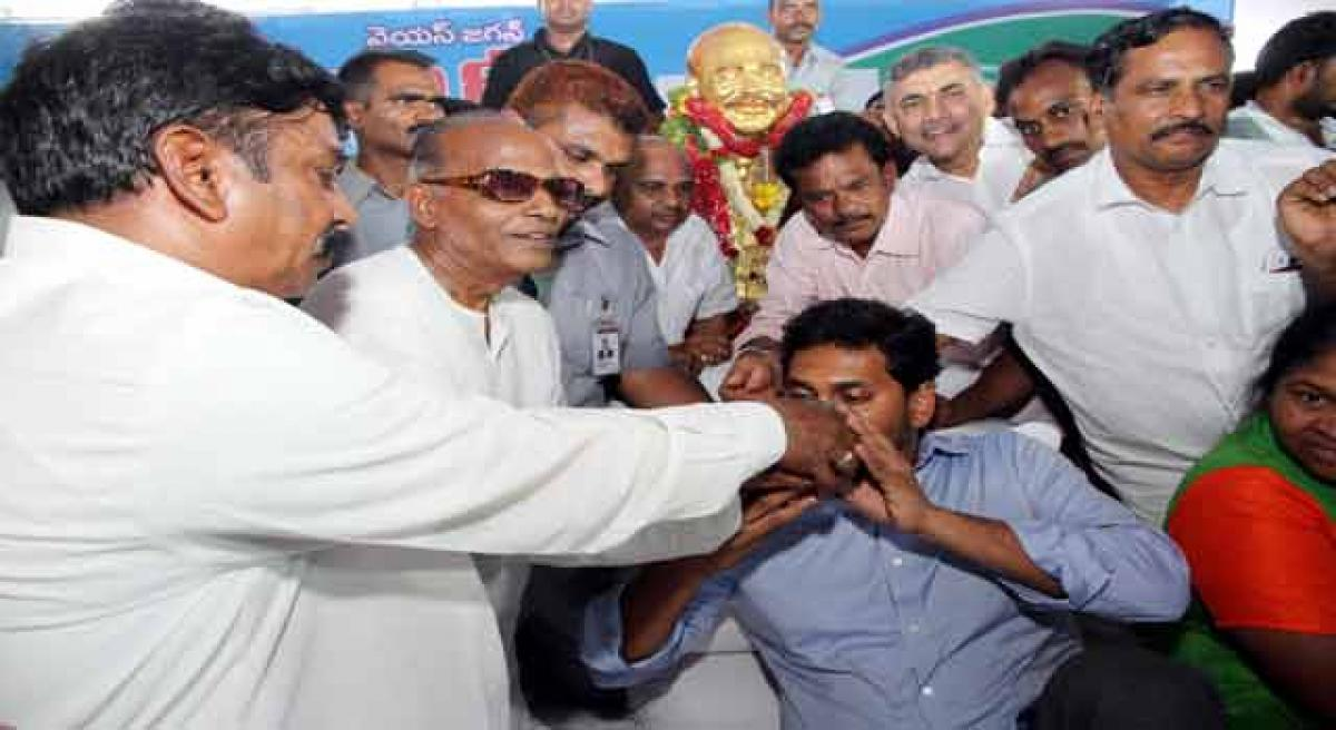 Jagan vows to fight Telangana projects