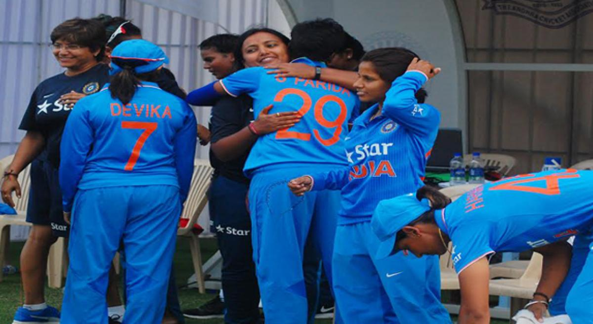Indian eves wrap up ODI series