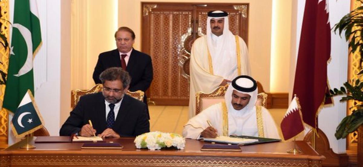 Pakistan, Qatar ink 15-billion-dollar gas agreement