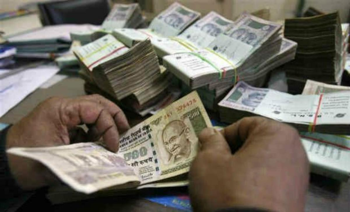 MFIs gross loan growth soars 69 per cent to Rs 42,106 crore in Q1