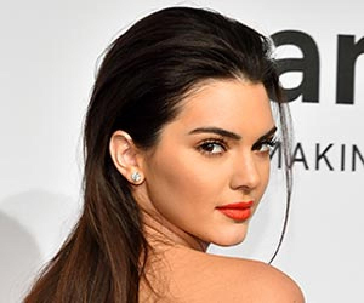 Kendall Jenner likes natural beauty