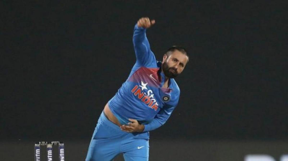 Indian cricketer Parvez Rasool embroiled in national anthem row
