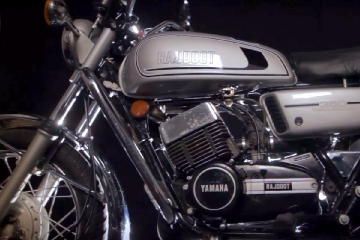 Whats the price of Triumph Bonneville T120 in India?