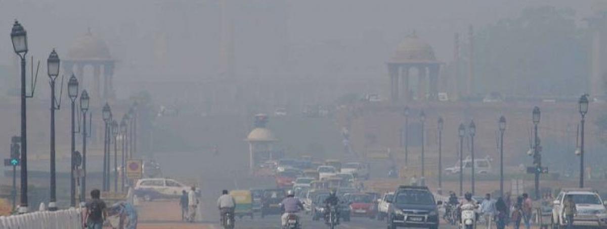 Foggy Sunday morning in Delhi