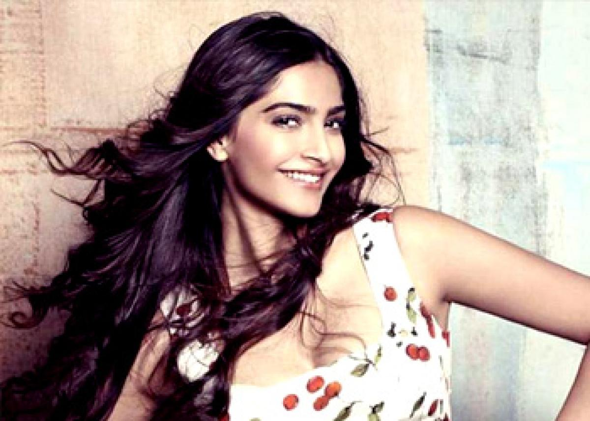 Sonam defends `blink and miss` appearance in Coldplay`s video