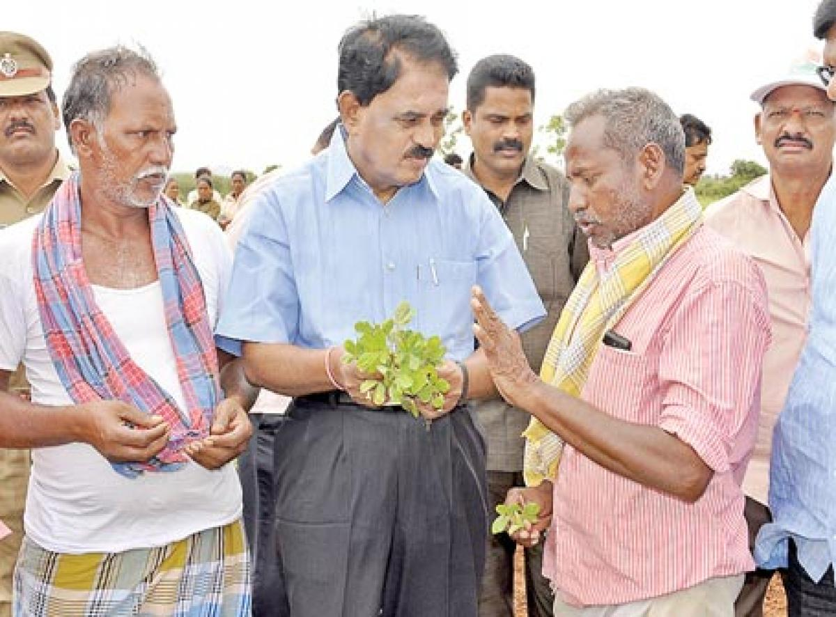 Palle Raghunatha Reddy interacts with ryots