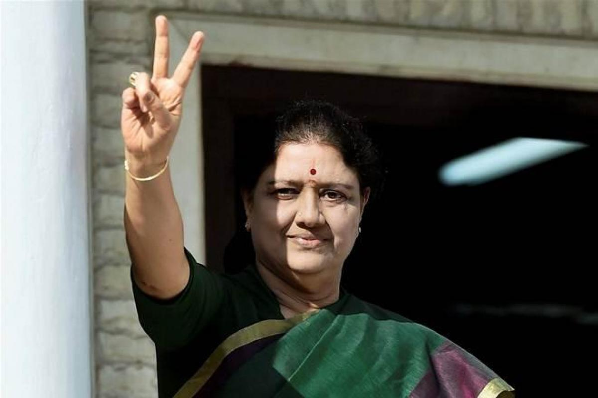 AIADMK backs Sasikala to be soon sworn in as Tamil Nadu CM