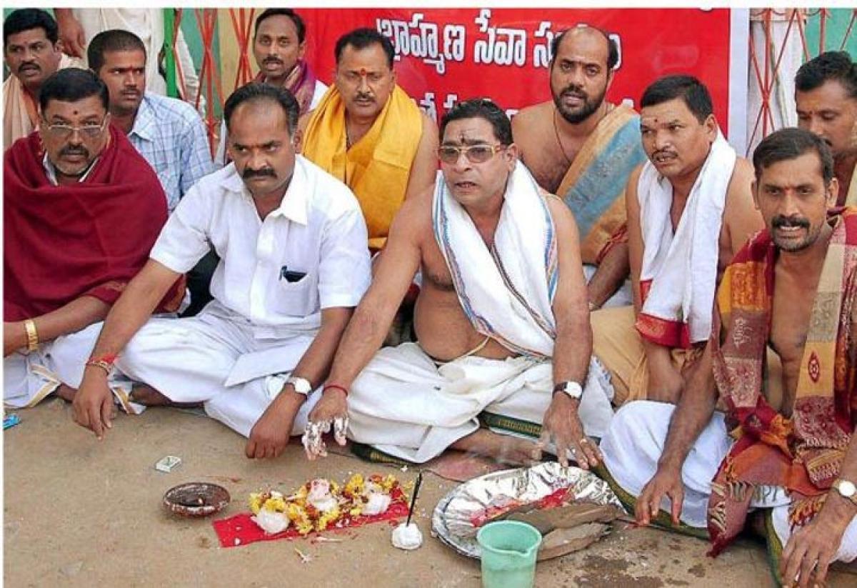 Brahmin association seeks tickets in polls